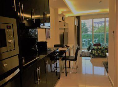 studio413-cosy-beach-view-condo-kitchen2
