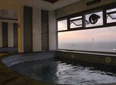 jacuzzi-cosy-beach-view-condominium